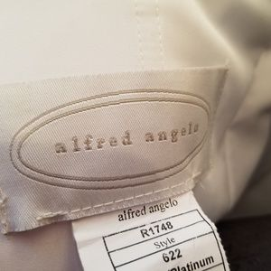 Alfred Angelo Dresses - Alfred Angelo Platinum Wedding Dress